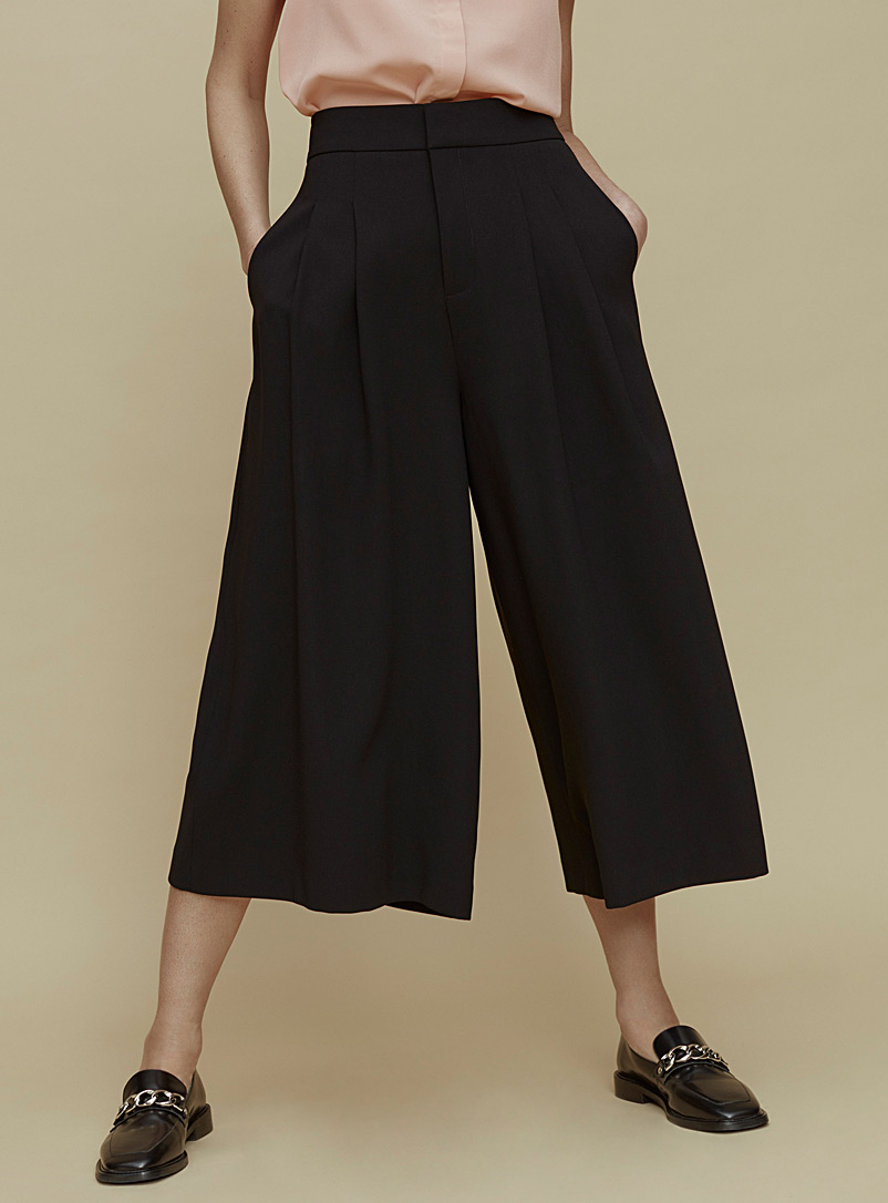 Contemporaine Black Fluid pleated culottes for women