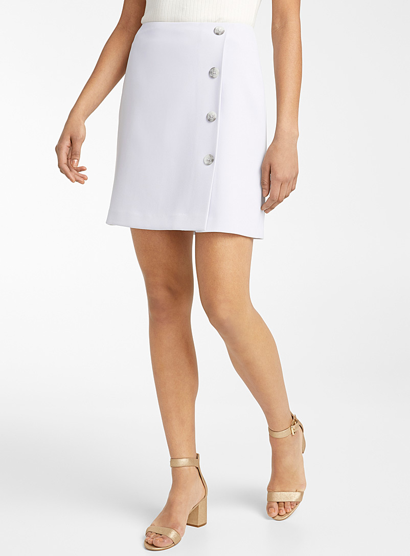 Contemporaine Light Grey Fluid buttoned short skirt for women