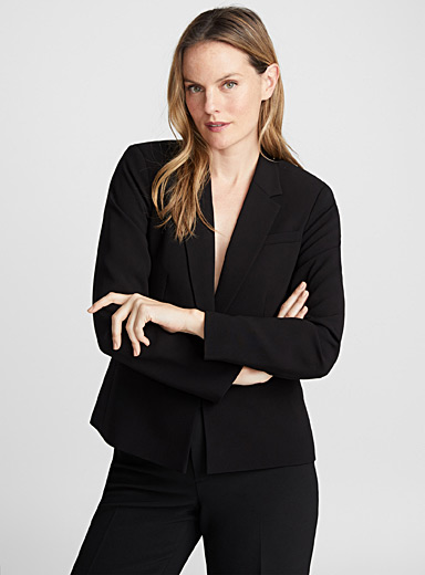 Single-button fitted jacket
