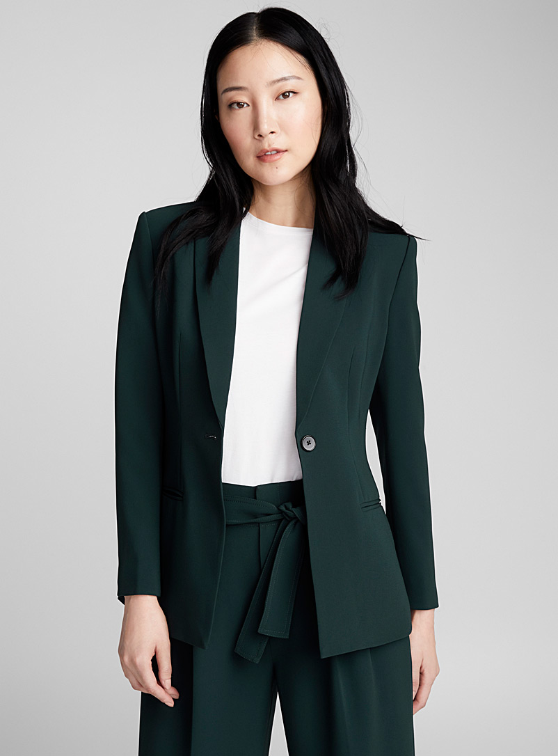 single-button-fitted-jacket
