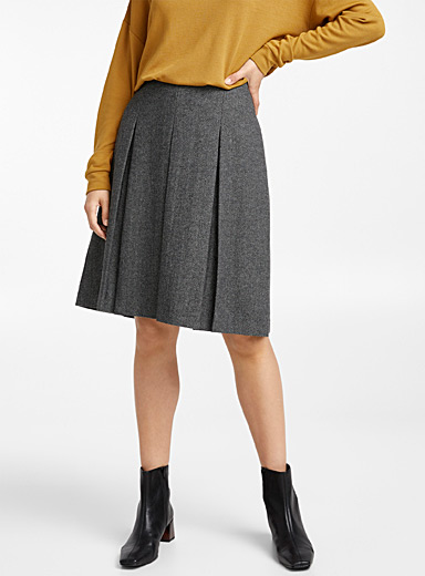 Herringbone wool pleated skirt