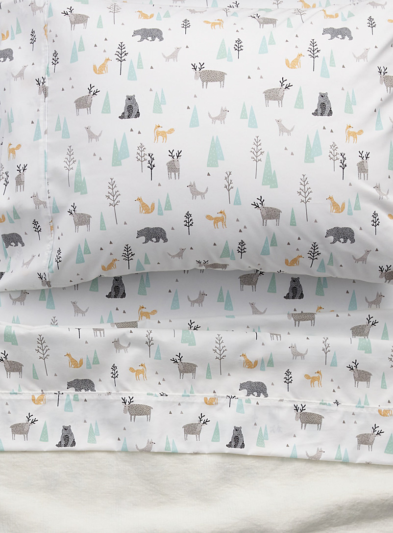 Simons Maison Assorted A walk in the woods sheet set Fits mattresses up to 15 in.