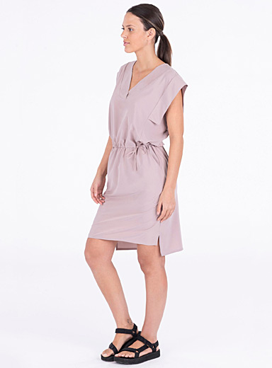 Ruffle shoulder shift dress