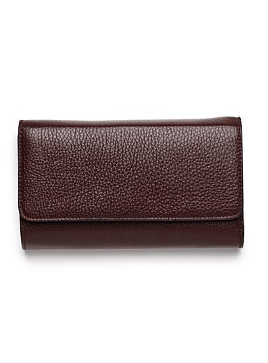 Contrast interior wallet