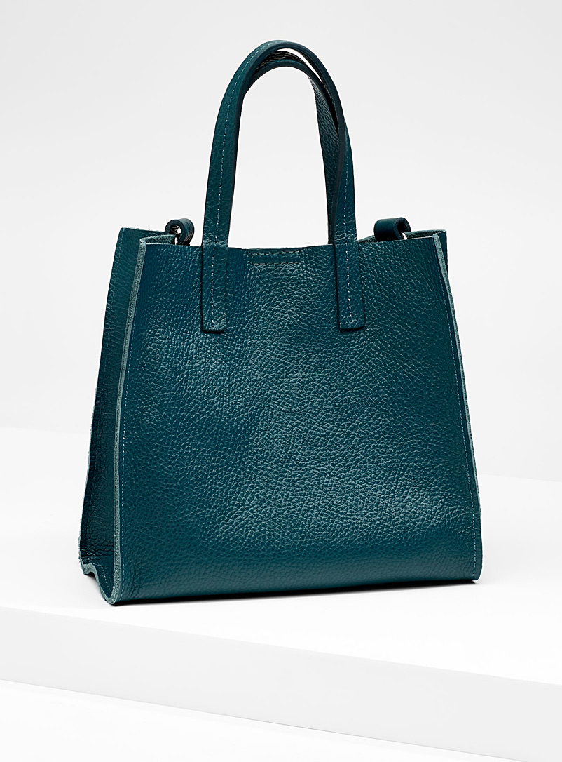 small-structured-tote-and-clutch