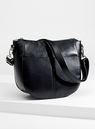 Patch pocket leather saddle bag
