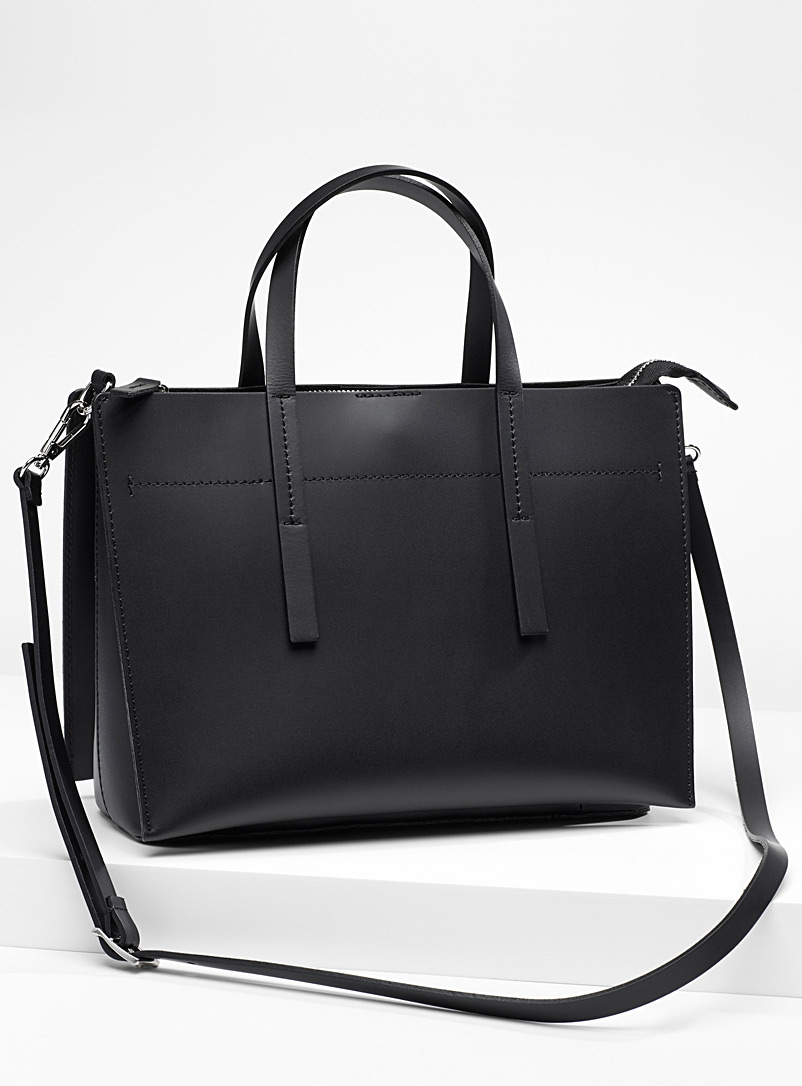 structured-leather-tote