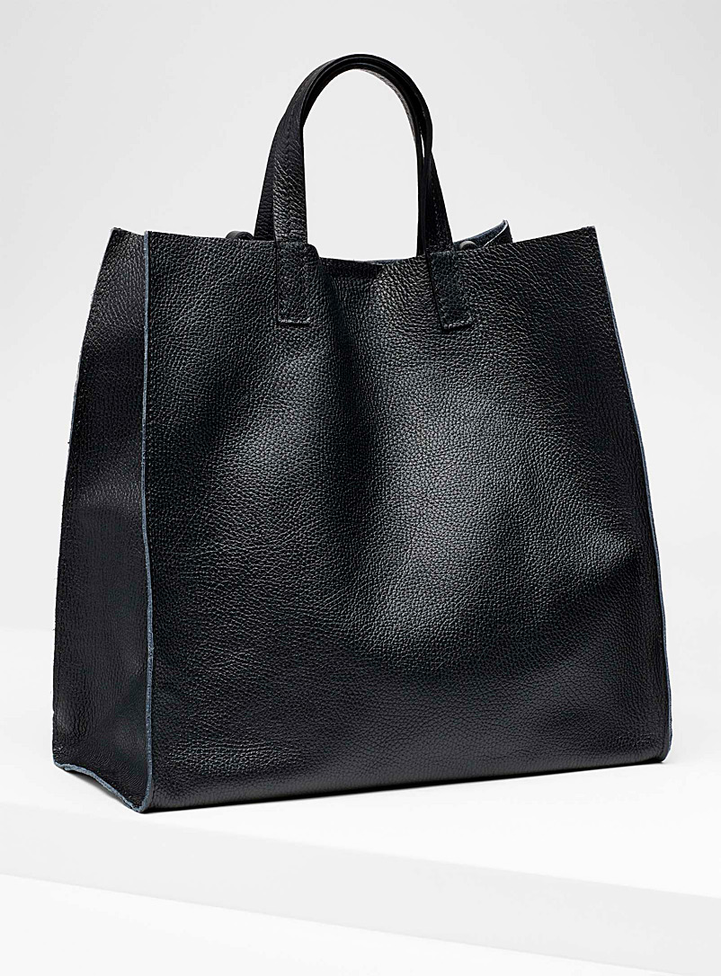 structured-tote-and-clutch
