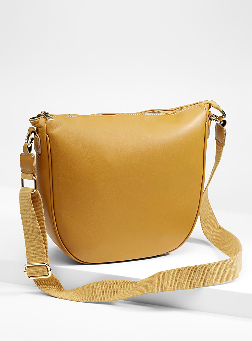 minimalist-leather-saddle-bag