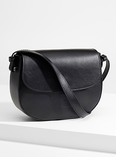 Simons Black Italian leather equestrian bag for women