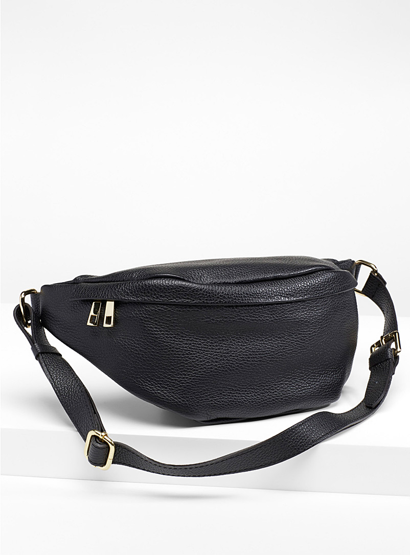 Grained leather waist bag - Belt Bags - Black