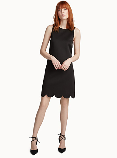 Neoprene scalloped black dress