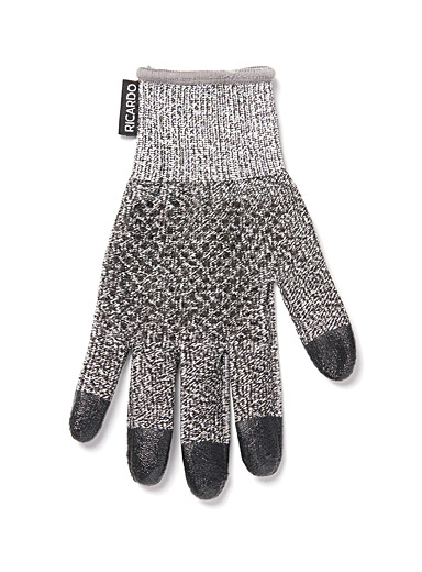 Ricardo Grey Cut-resistant glove
