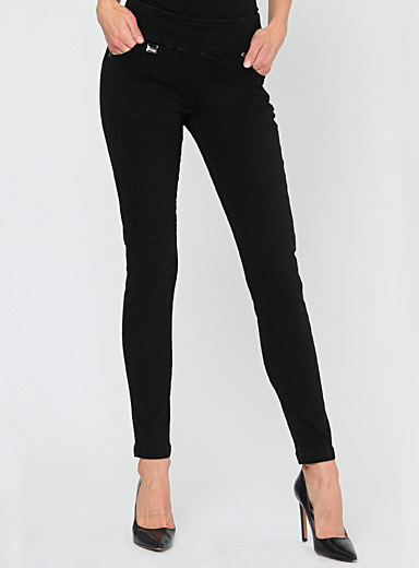 Wide-band black jean