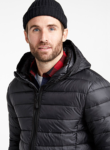 Recycled polyester packable hooded puffer jacket