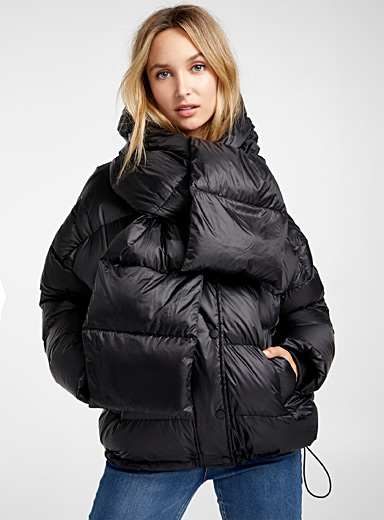 Reycled polyester puffer jacket with scarf