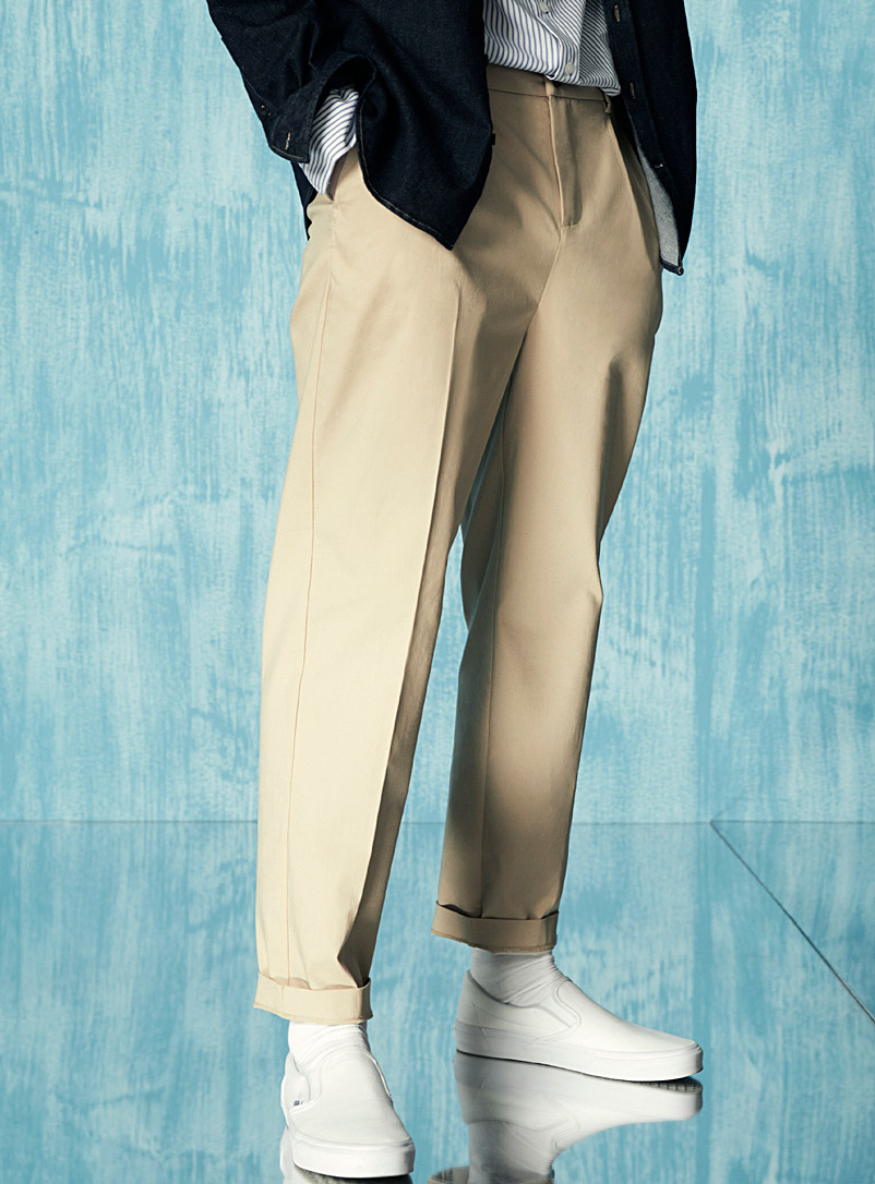 Le 31 Sand Flat-pleated stretch chinos Reykjavik fit - Anti-fit for men