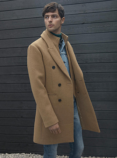 Double-collar recycled wool coat