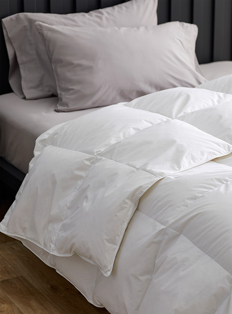 Le Germain Hôtels White Le Germain duvet  Canadian white goose down