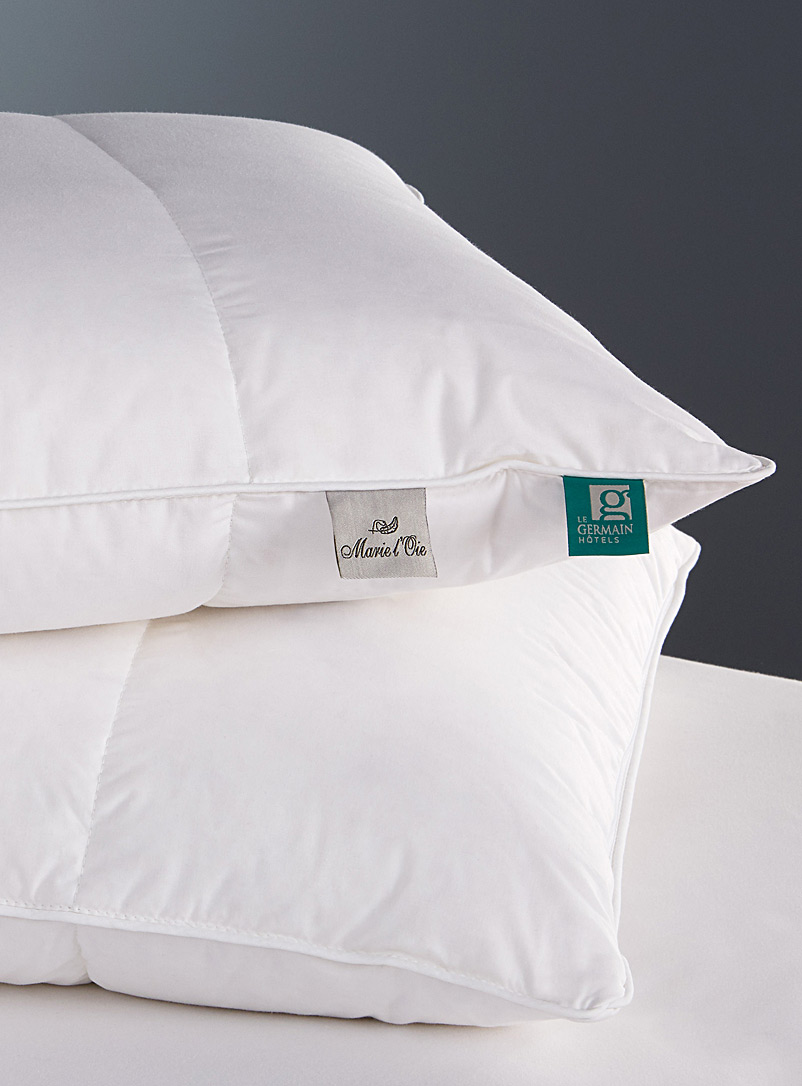 Le Germain H?tels White Royal Plus pillow  Firm support