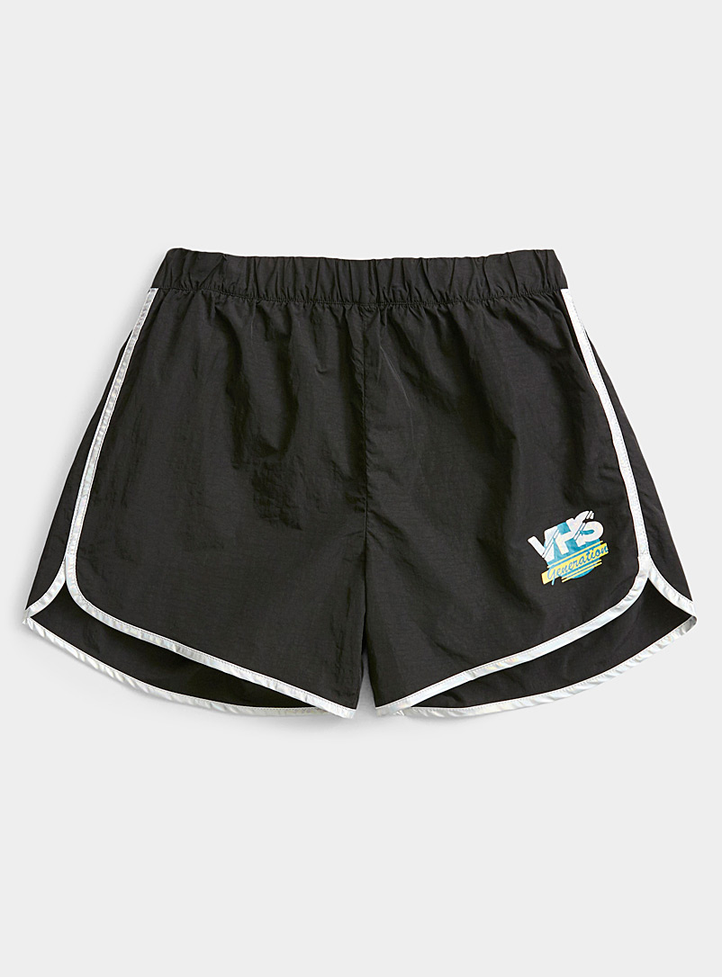 Twik Black VHS piped short for women