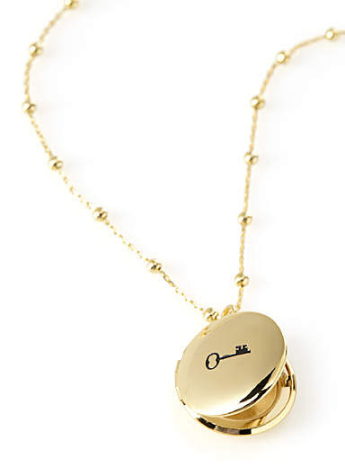 Love story medallion necklace