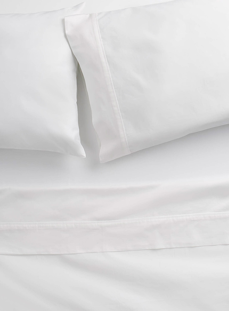Organic cotton sheet set, 600 thread count  Fits mattresses up to 15 in. - Luxurious Cotton - White