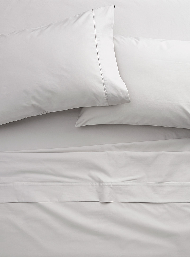 Simons Maison Light Grey 500-thread-count Egyptian cotton sheet set  Fits mattresses up to 15 in.