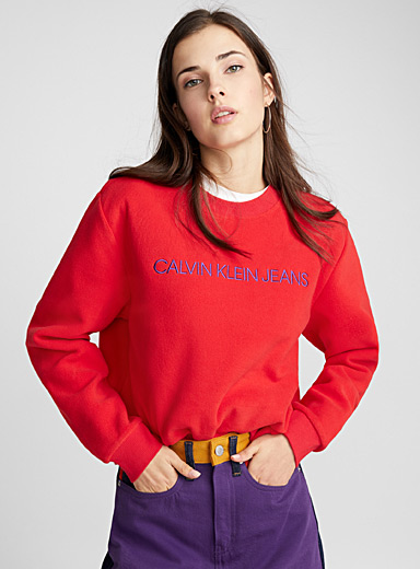 Le sweat polaire rouge tomate