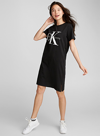 Contrast logo dress