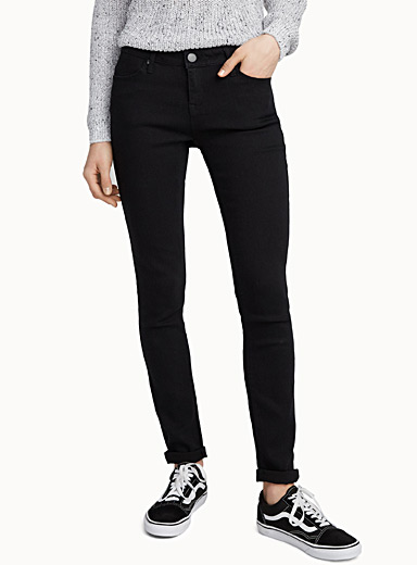 Basic skinny black jean