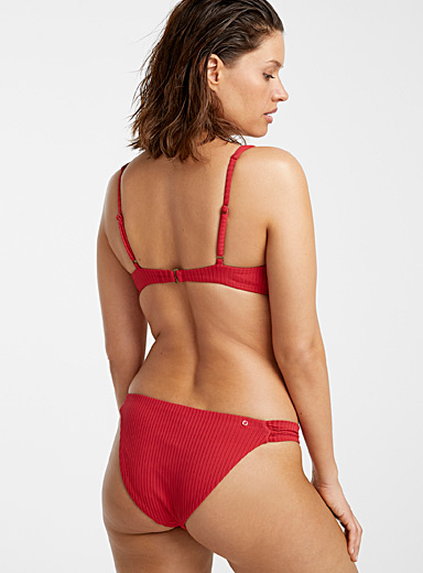 Raspberry embossed bottom