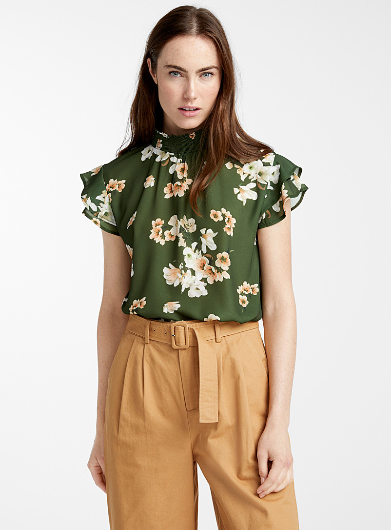gathered-collar-painterly-flower-blouse