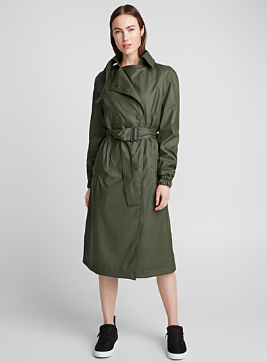 Faux-rubber trench