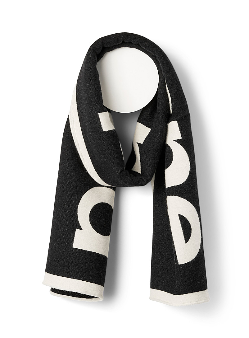 Reversible two-tone scarf
