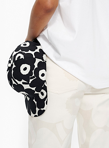 Marimekko Kioski Black and White Halko Mini Unikko cap for women