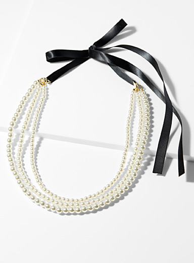 Black ribbon and pearls necklace
