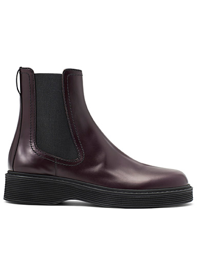 Aubergine leather Chelsea boots