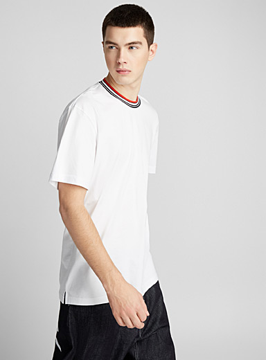 Contrast-collar T-shirt