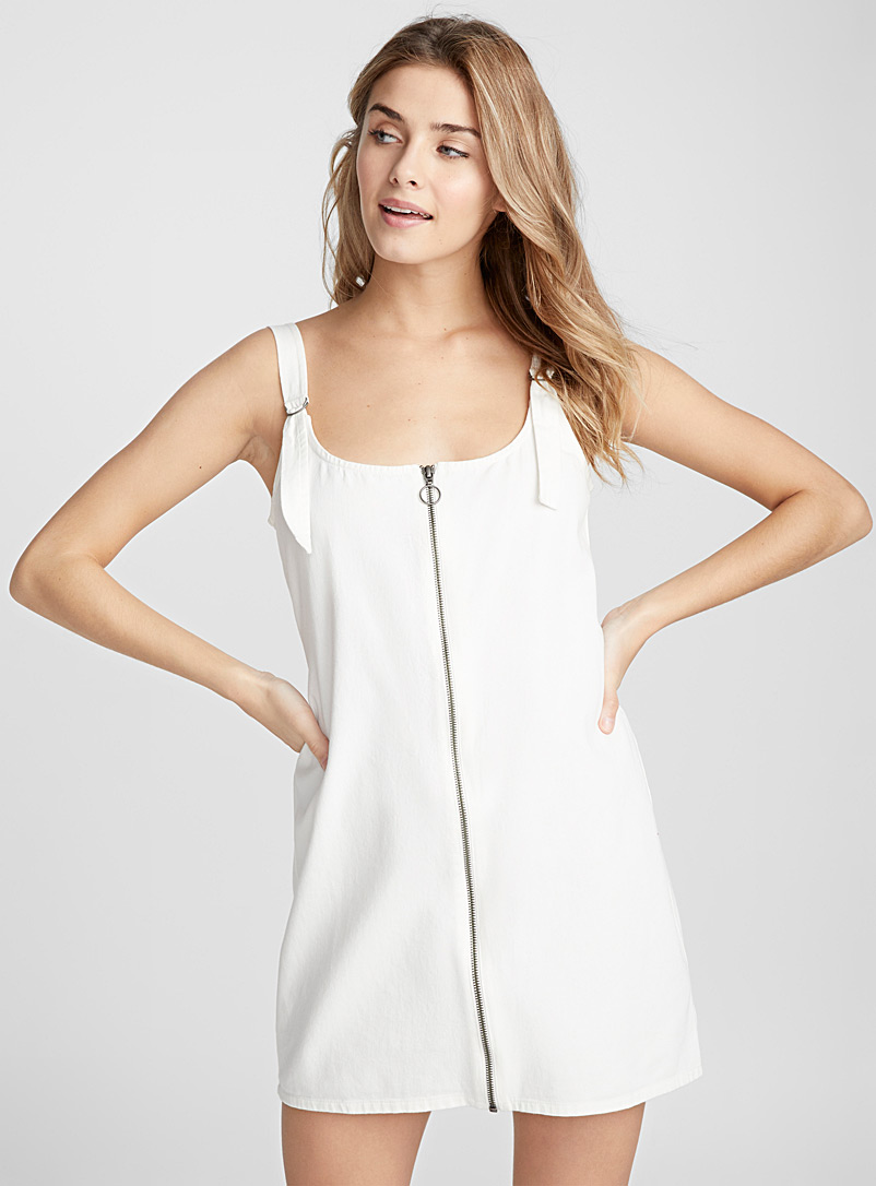 accent-zip-apron-dress