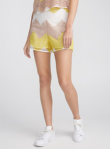 Tricoloured geo openwork diamond shorts