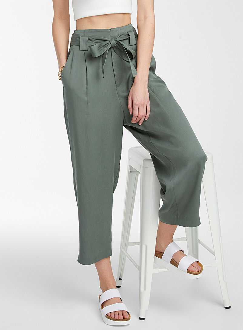 Icône Mossy Green Eco-friendly lyocell paper-bag pant for women