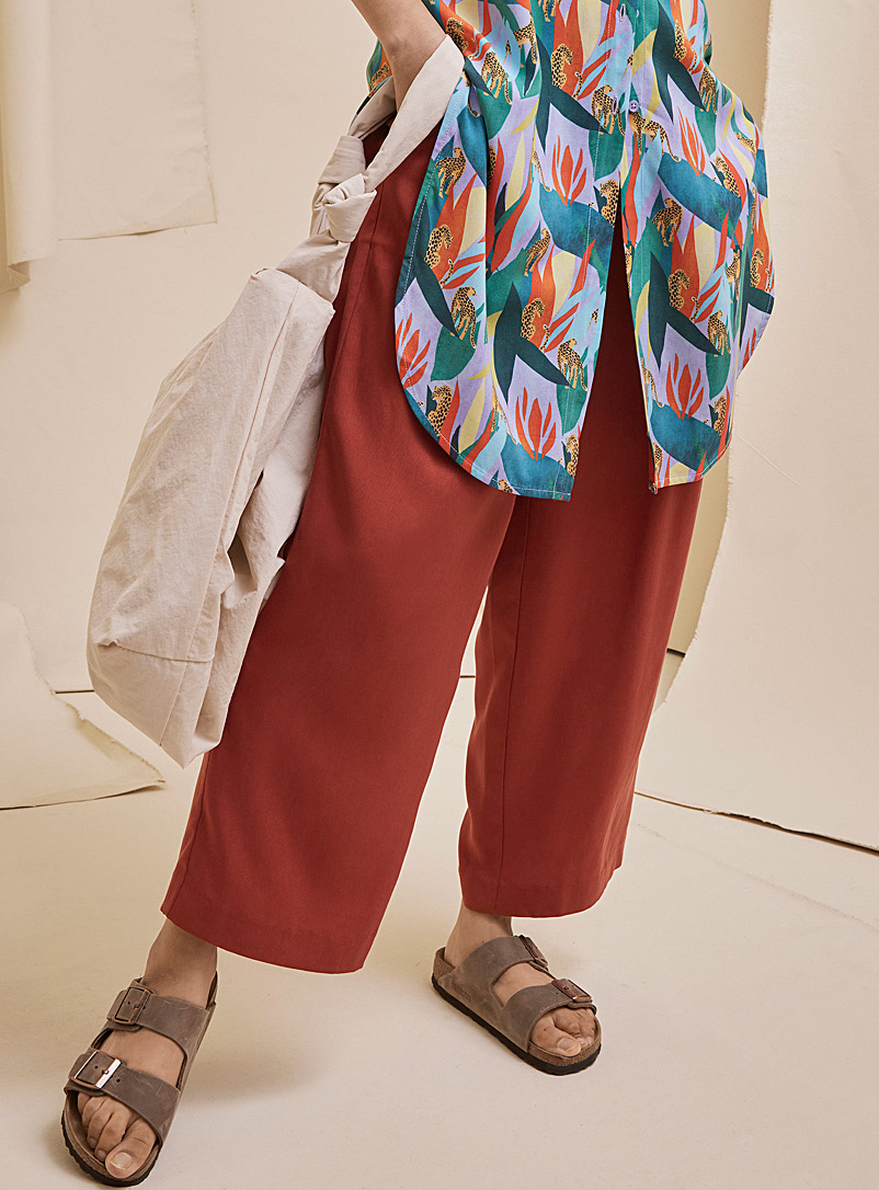Icône Ruby Red Eco-friendly lyocell paper-bag pant for women