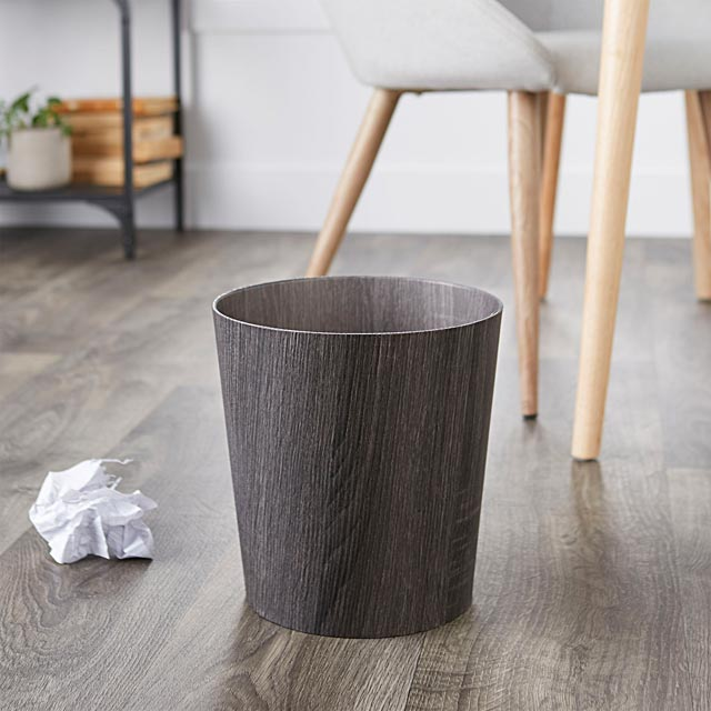 faux-wood-wastebasket