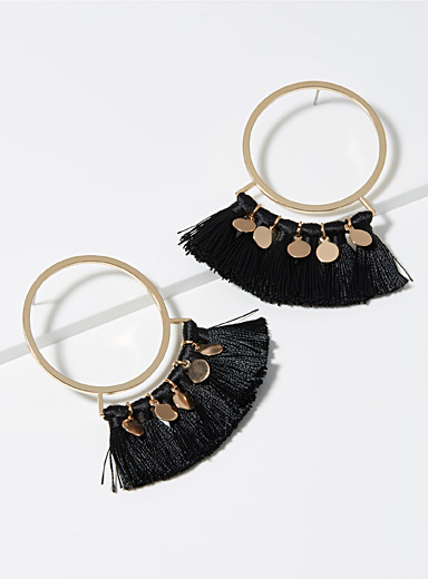 Tassels and discs hoops