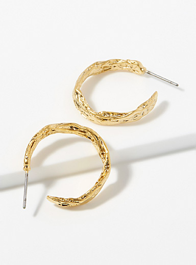 Small irregular hoops