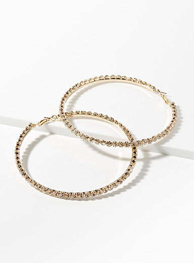 Giant shimmering hoops