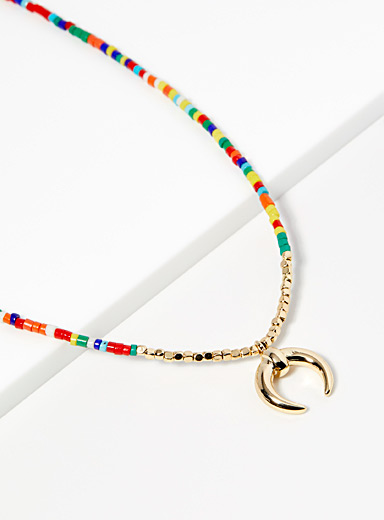 Le collier billes multicolores