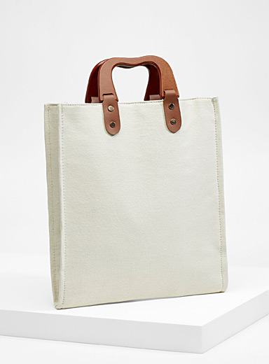 Wooden handle tote