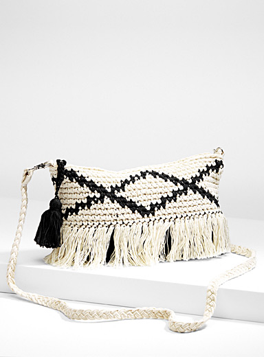 Woven shoulder bag